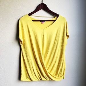 🌟Vince Camuto yellow fold over shirt top Size M🌟